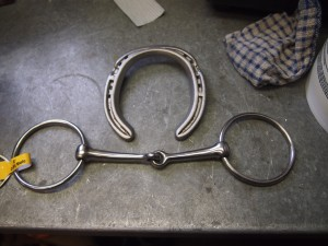 Horse shoe and bit for the wine bottle holder