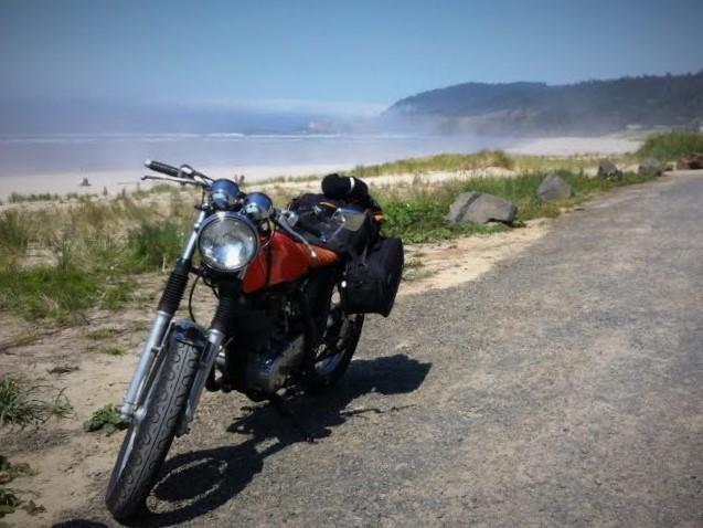 1978 Yamaha SR400 on the Oregon coast