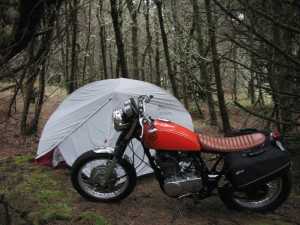 Making camp in Oregon with the Yamaha SR400 motorcycle