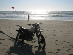 XT500 on the beach of the Oregon dunes