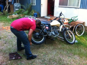 Repairing the flat on the XT500 at a friendly strangers