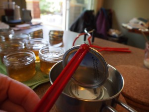Canning the dandelion jelly